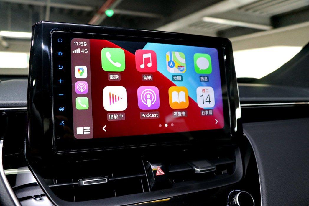 車內升級9吋觸控螢幕,同樣是使用車美仕的TOYOTA Drive+ Connec...