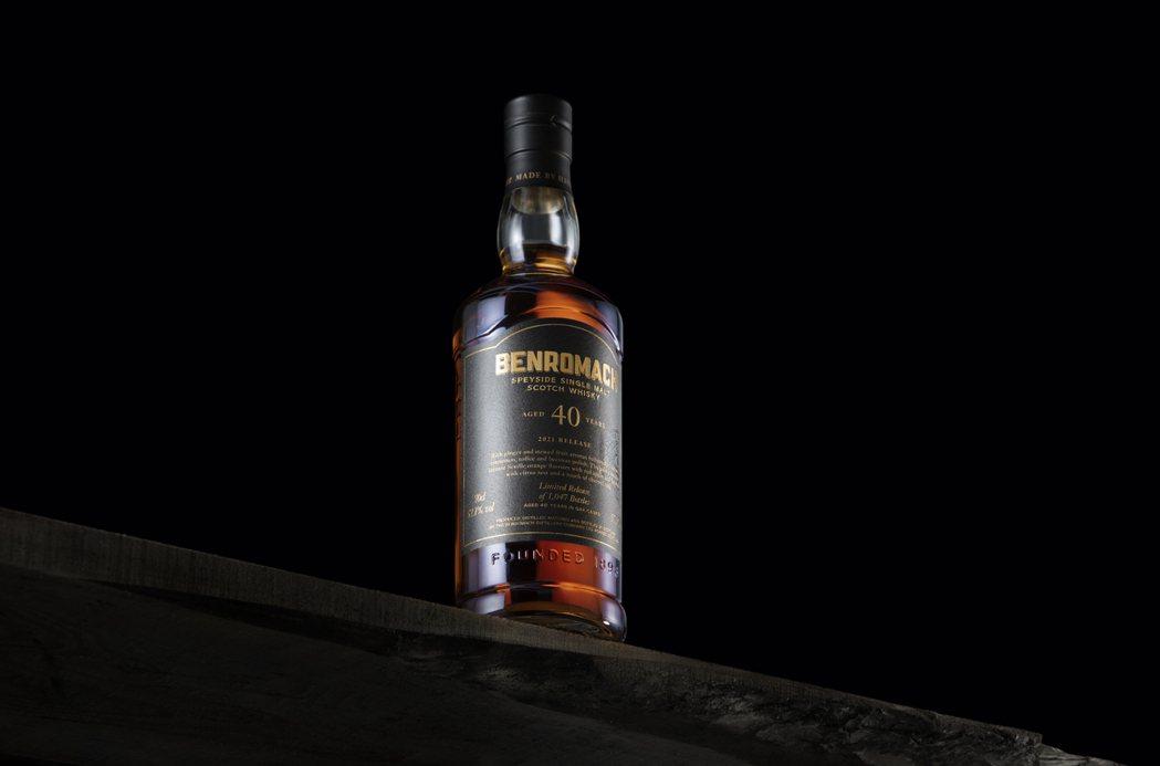 百樂門酒廠是一家傳統的斯佩賽酒廠,由一個多年來致力奉獻於蘇格蘭單一麥芽威士忌產業...