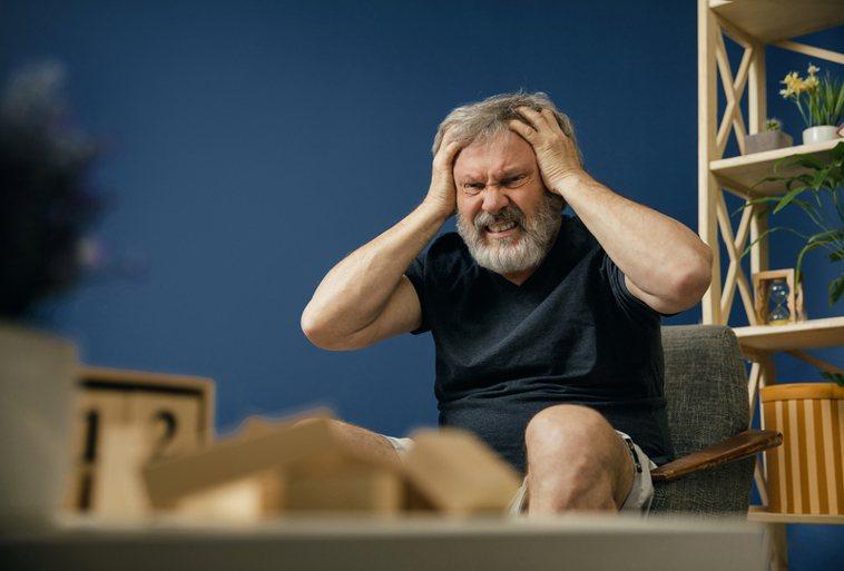 睡眠與慢性病息息相關,阻塞型睡眠呼吸中止症未治療,增加心臟血管疾病風險提升高血壓...