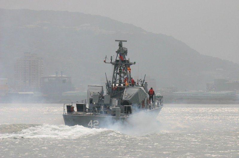 我國在自製武器研發過程之中,也曾有不少動物的投入,圖為已除役的海鷗飛彈快艇。圖/聯合報系資料照片