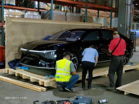 鴻華先進MIH第一代電動車提前流出!將於鴻海科技日登場