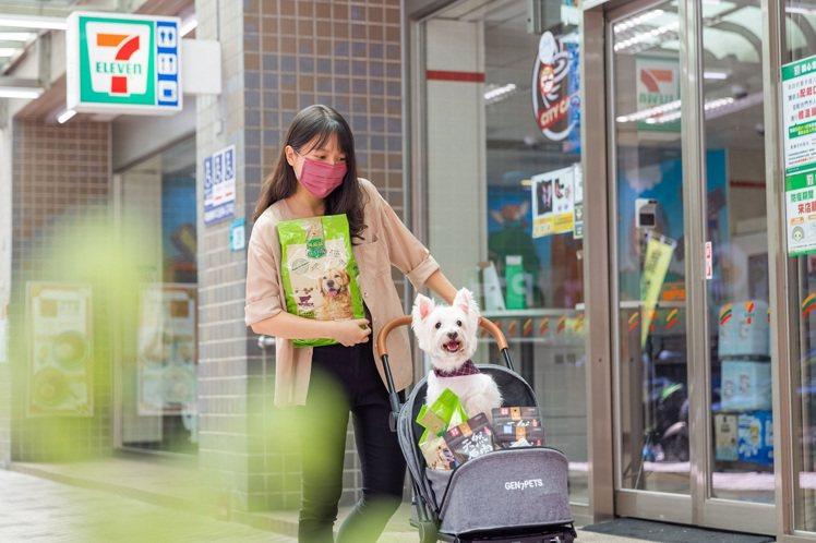 7-ELEVEN掌握超商寵物市場新藍海,於200家門市設置寵物專區,並攜手網紅品...