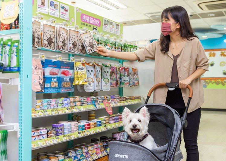 萌寵商機夯,7-ELEVEN於200家門市設置寵物專區,預計至年底寵物專區門市可...