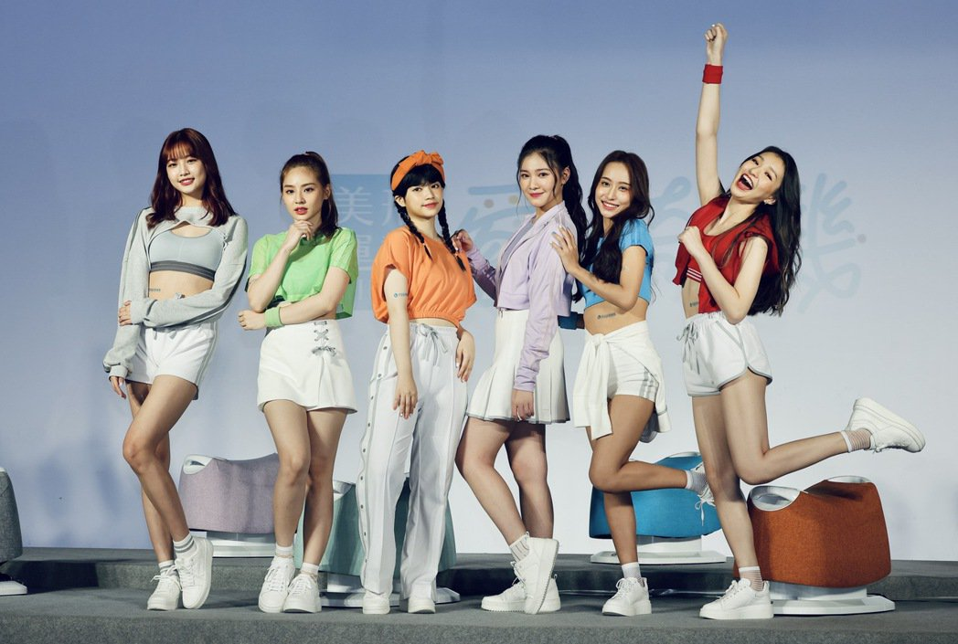 女團「PER6IX」成員采婕(左起)、加瑄、瑋伶、紫嫣、名慧、力安。記者李政龍/