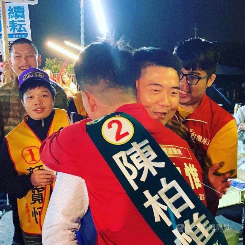台中市立委第二選區展開罷免陳柏惟公投,最新民調出爐。圖/取自顏寬恒臉書