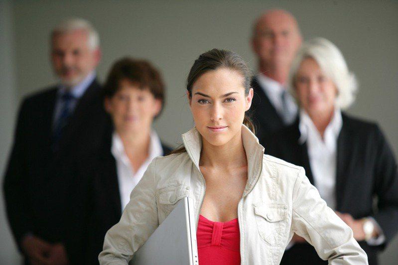 透過心理測驗,可以瞭解自己是否有具有領導的威望。圖片來源/ingimage