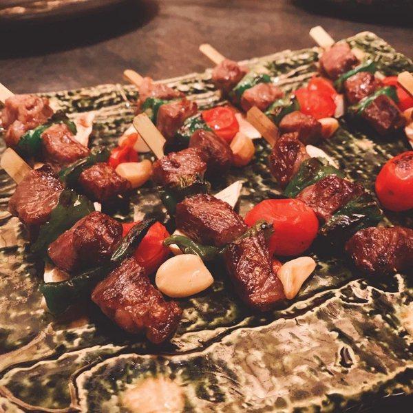 中秋烤肉可利用烤箱、爐上烤盤,以低油方式烹調,讓料理更多元、更乾淨衛生。  圖...