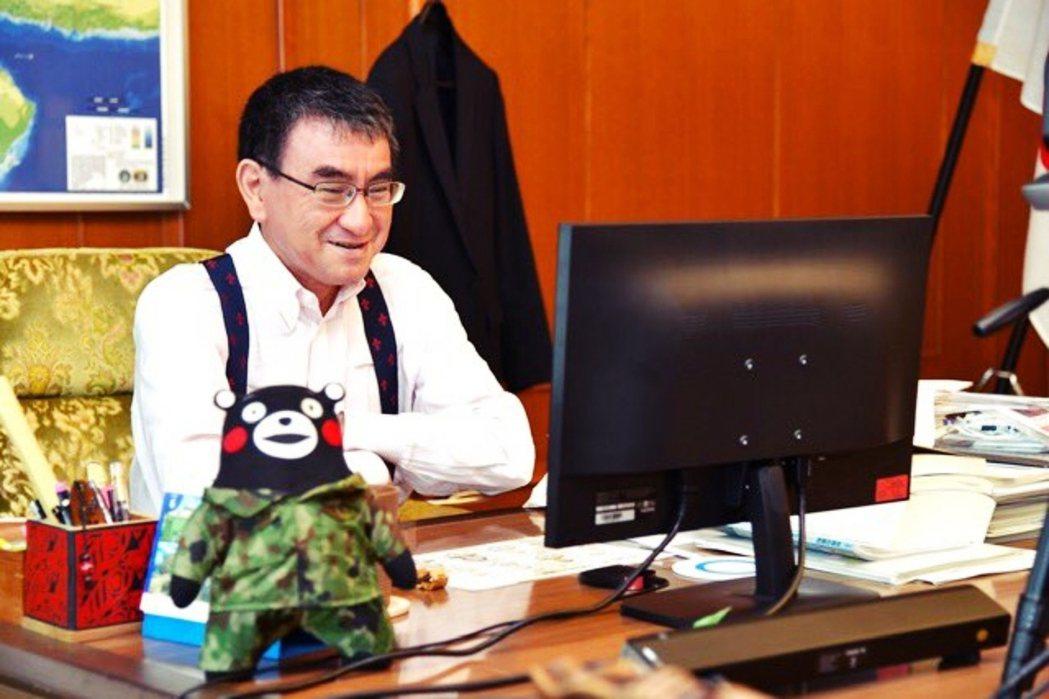 河野出馬參選總裁,讓日本國內的各家電力公司都相當憂心,河野恐怕不是嘴上說說,可能...