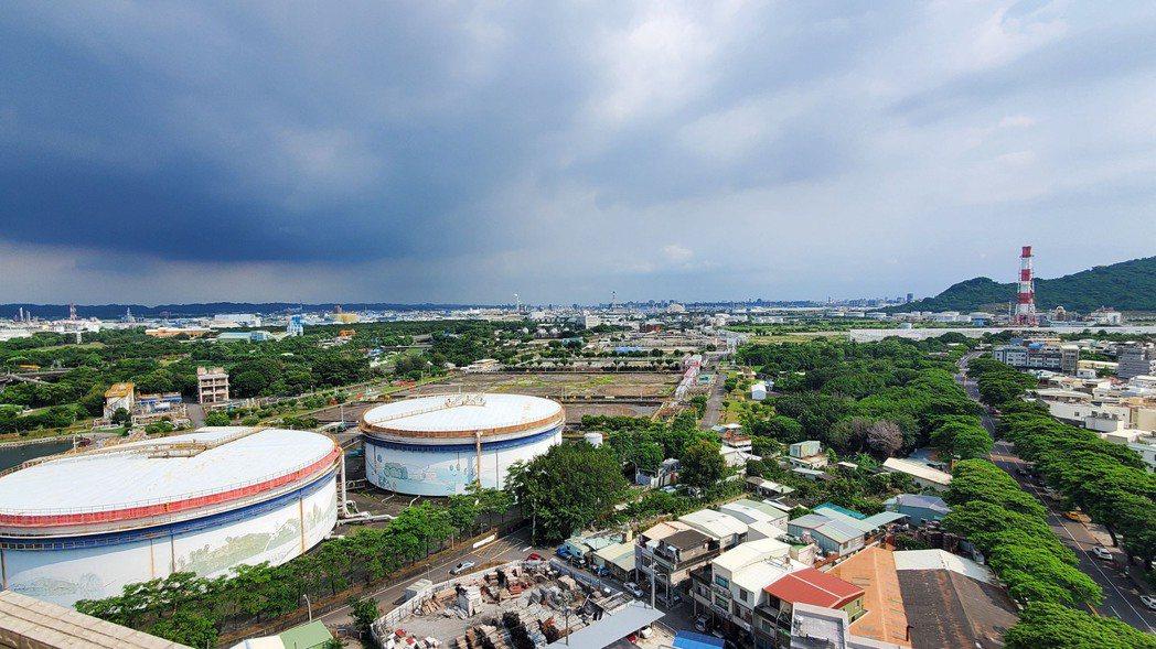 媒體報導,台積電已針對高雄中油煉油廠(圖)未來劃撥土地展開細部設計,初步規劃6座...