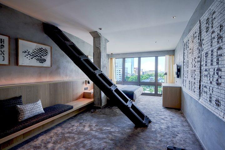 這可不是樓梯,而是電視塔的鋼骨結構! 圖:株式会社 アメーバホールディングス/來源