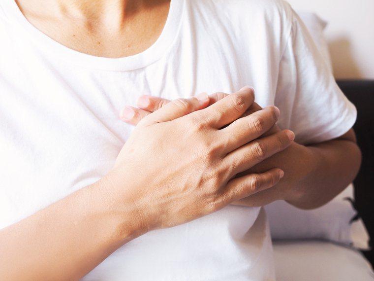 疫苗引發的心肌炎、心包膜炎 容易發生在施打一周後。