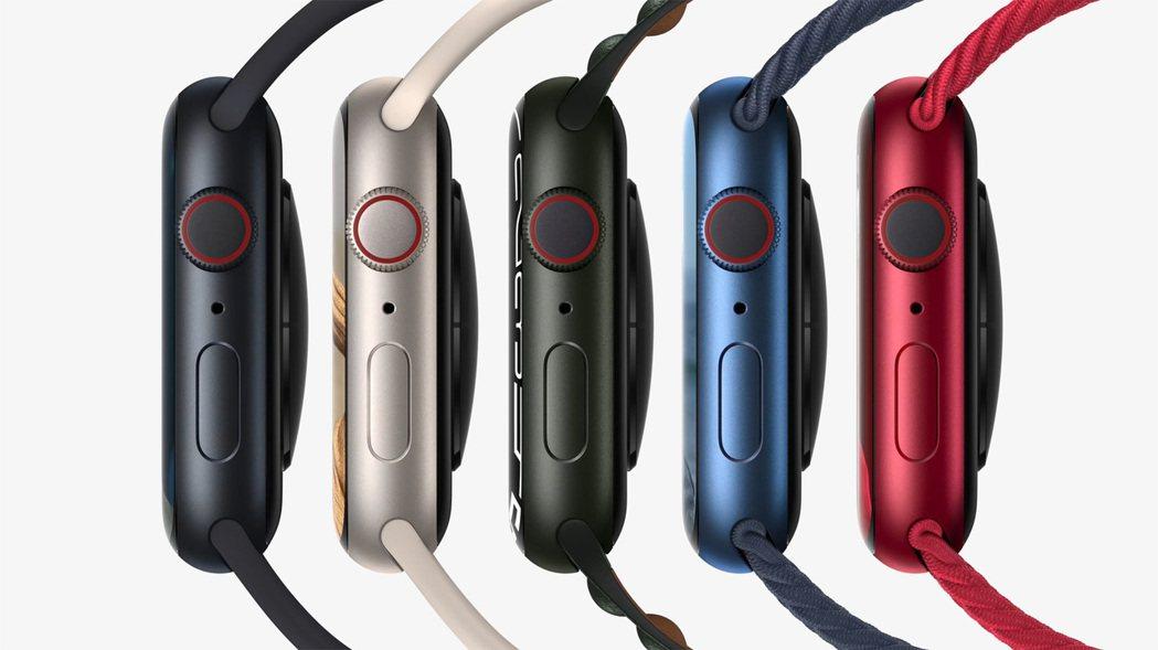 Apple Watch Series 7的 五款新色提供更多搭配組合。 取自蘋果...