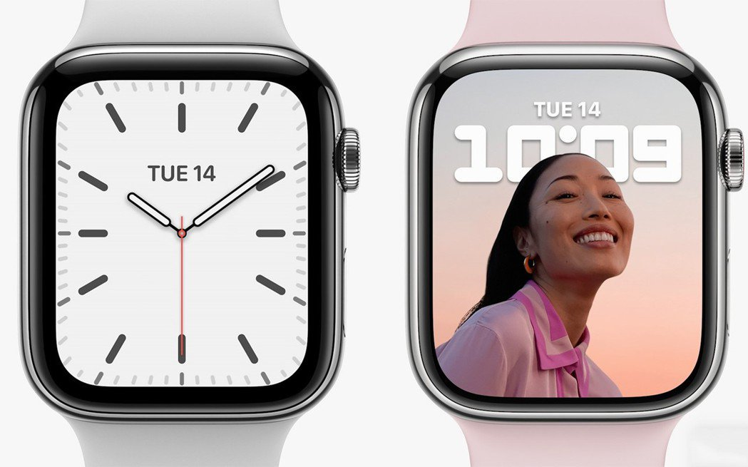 Apple Watch Series 7(右)比前一代有更細的邊框,更大的錶面顯...