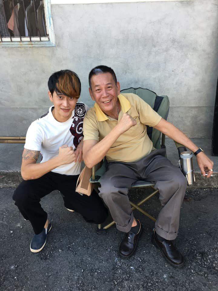 劉冠廷(左)、龍劭華在「花甲」演出父子。圖/摘自臉書