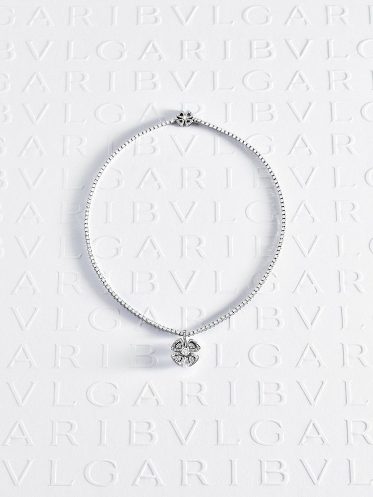 BVLGARI Fiorever系列鑽石項鍊,Fiorever花形鍊墜可單獨拆卸...