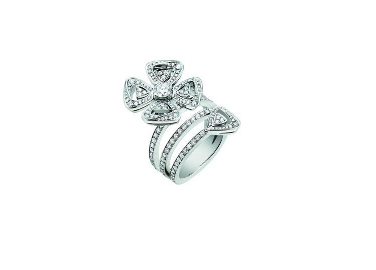BVLGARI Fiorever系列鑽石戒指,約43萬0,800元。圖/寶格麗提...