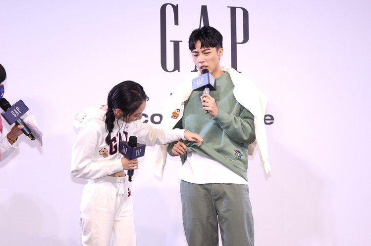 李沐(左)與蔡凡熙,首度為了美式休閒品牌Gap而攜手合作,立即展現好默契。記者王...