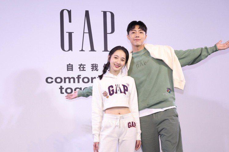 李沐(左)與蔡凡熙,首度為了美式休閒品牌Gap而攜手合作。記者王聰賢/攝影