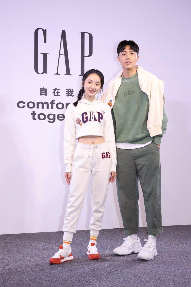 李沐(左)與蔡凡熙,首度為了美式休閒品牌Gap而攜手合作,展現最萌身高差。記者王...