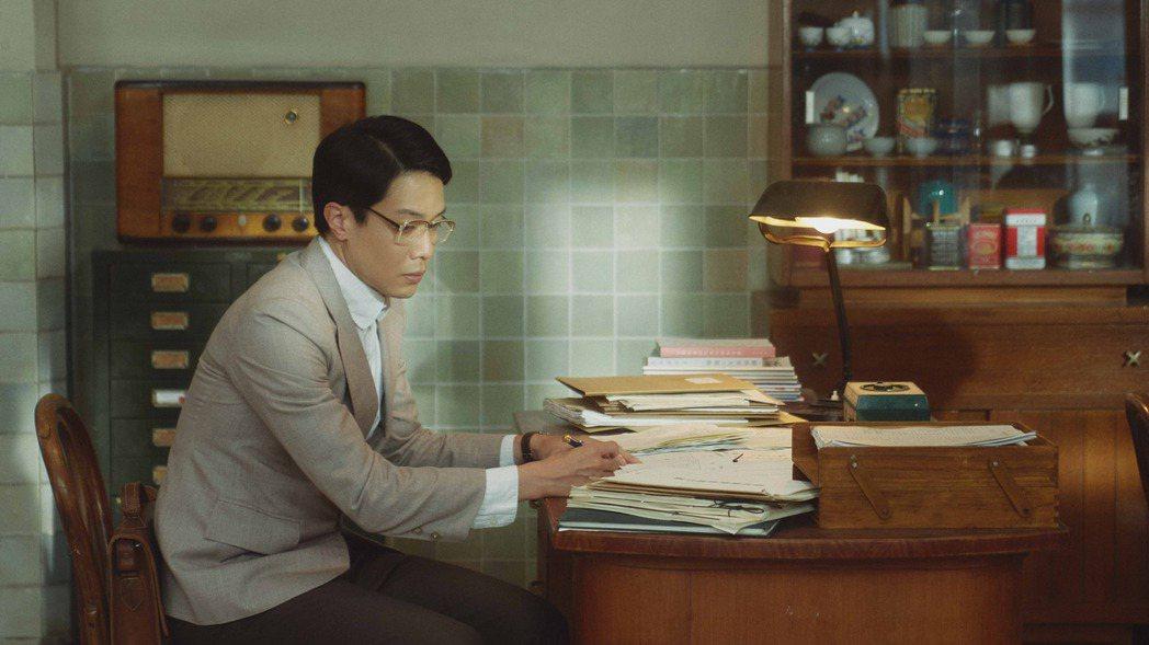 薛仕凌在「茶金」中飾演力爭上游的窮學生范文貴。圖/公視提供