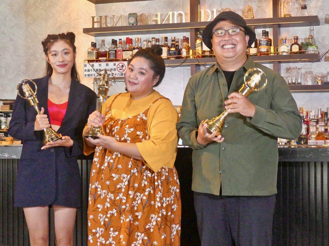 「女孩上場」高倩怡(左起)、蔡嘉茵、導演吳宗叡入圍金鐘5項大獎。圖/客家電視提供