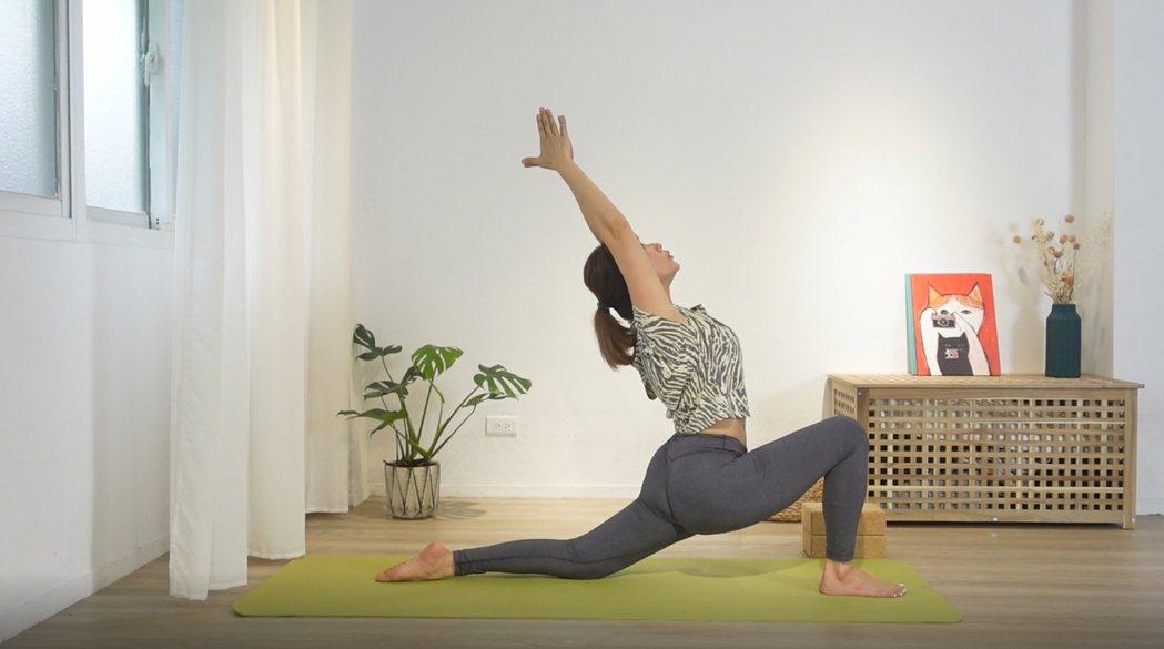 連靜雯當瑜伽老師,疫情期間也不間斷圖/楠軒工作室提供