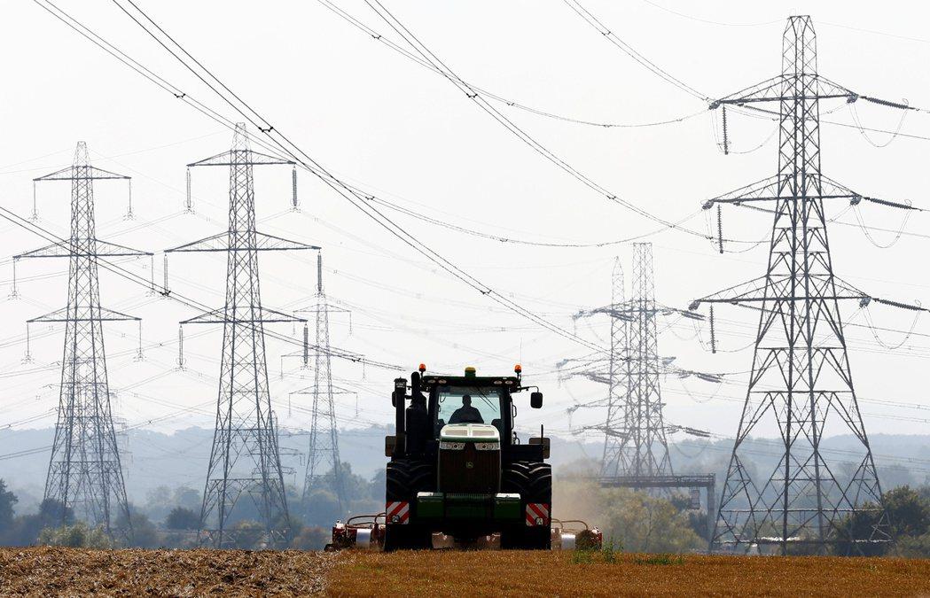 歐洲能源價格漲不停飆新高,推升電價攀高。(路透)