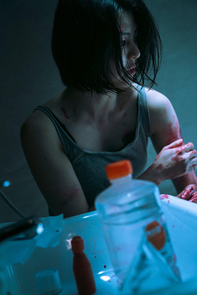 韓韶禧在《My Name》中飾演為報父仇而潛入請方臥底的女打仔。圖/NETFLI...