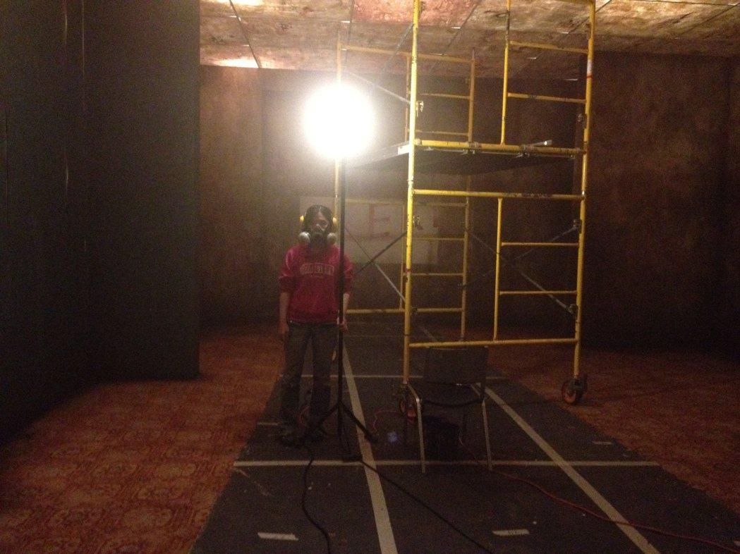 劇場訓練讓何采柔對空間和氛圍的掌握更為精準。(Photo/河床劇團)