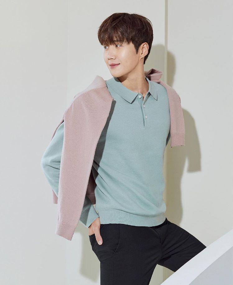 金宣虎為韓國男裝品牌拍攝秋季造型。圖/取自IG