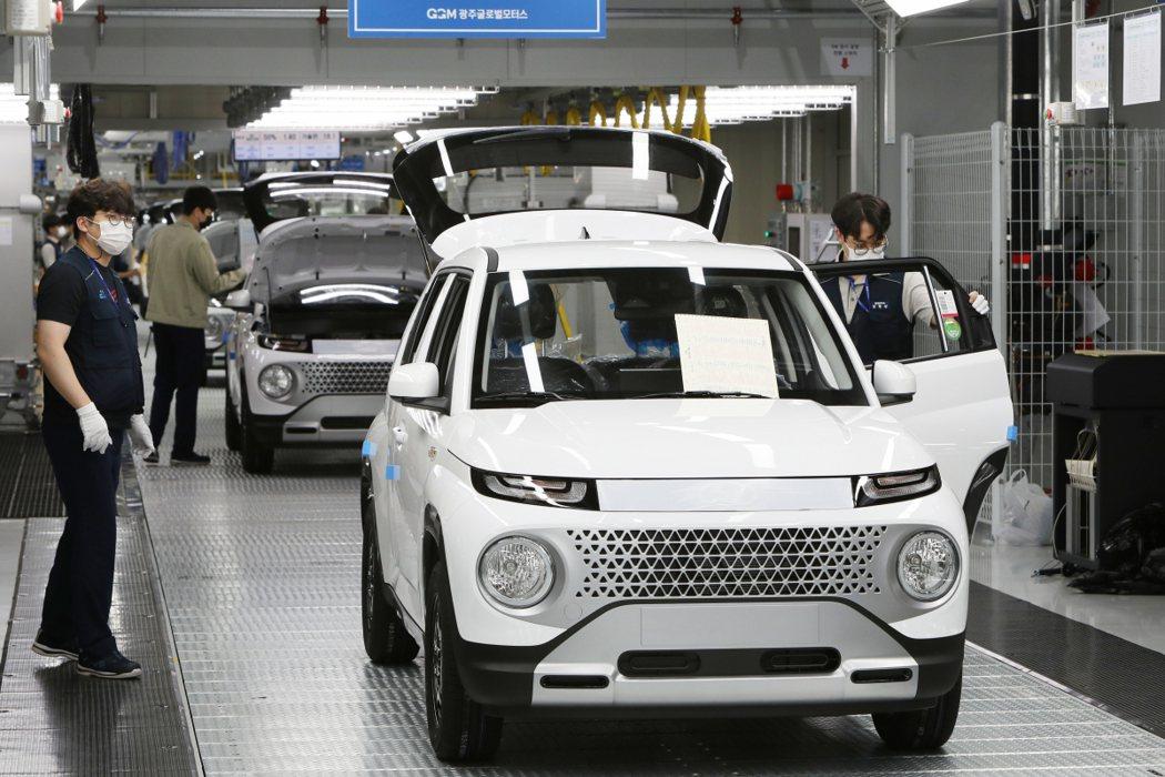 就連韓國總統文在寅也親自上網購買了一輛全新Hyundai Casper。 摘自G...