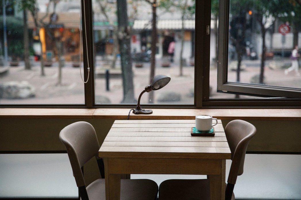 咖啡館陪伴許多人種下一顆喜愛美好生活,重視文化藝術的心靈。 圖/張嘉行提供