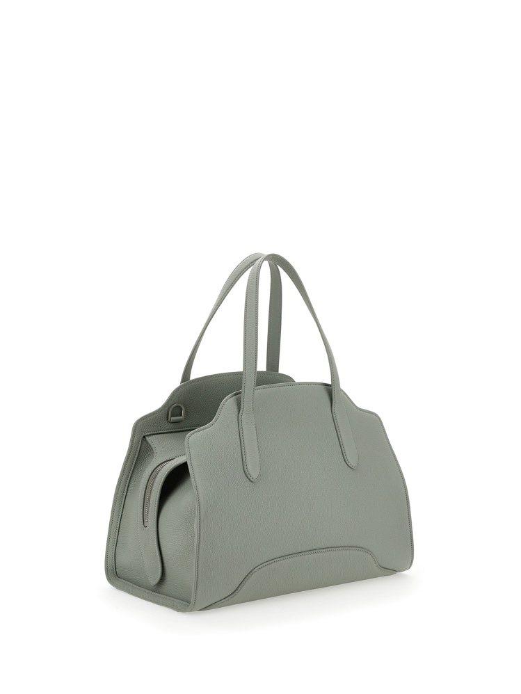 Sesia尤加利樹綠啞光粒面皮革大型手提包,14萬2,000元。圖/Loro P...