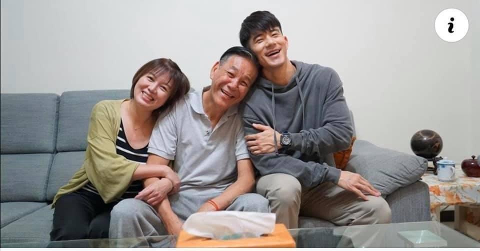 苗可麗和龍劭華演過夫妻,旁為JR紀言愷。圖/摘自臉書