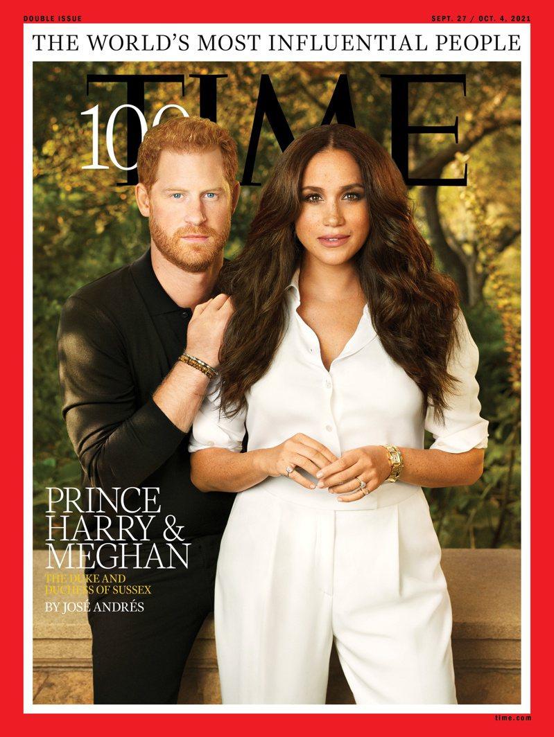 哈利梅根入選時代雜誌百大影響人物並成為本年度的封面人物,2人擺拍姿勢掀起廣泛討論。路透
