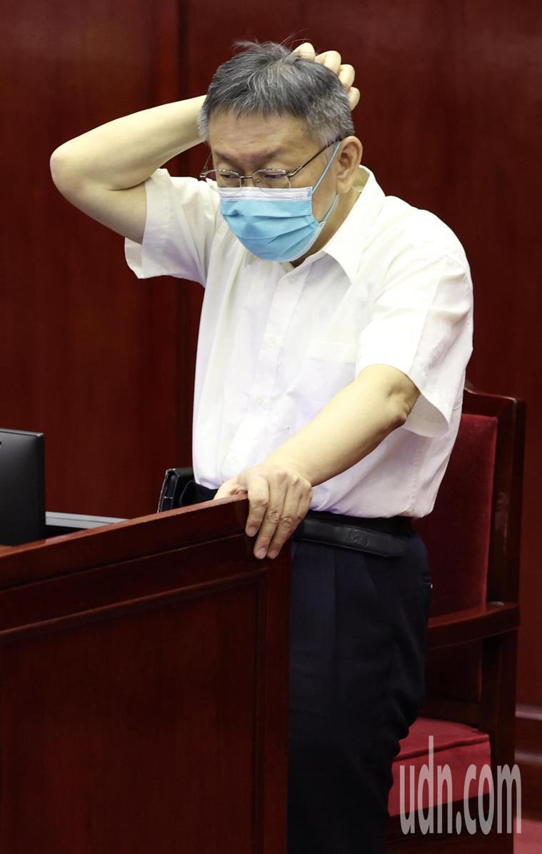 台北市長柯文哲日前拋出,要編列28億預算買第三劑疫苗;針對第三劑疫苗要買哪個廠牌...