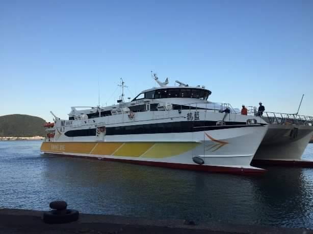 「藍鵲」高速客船通過「布袋-金門」及「台中-金門」航線試航。圖/航港局提供