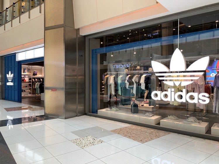 adidas Originals全新概念店裝進駐大江購物中心1樓。圖/大江購物中...