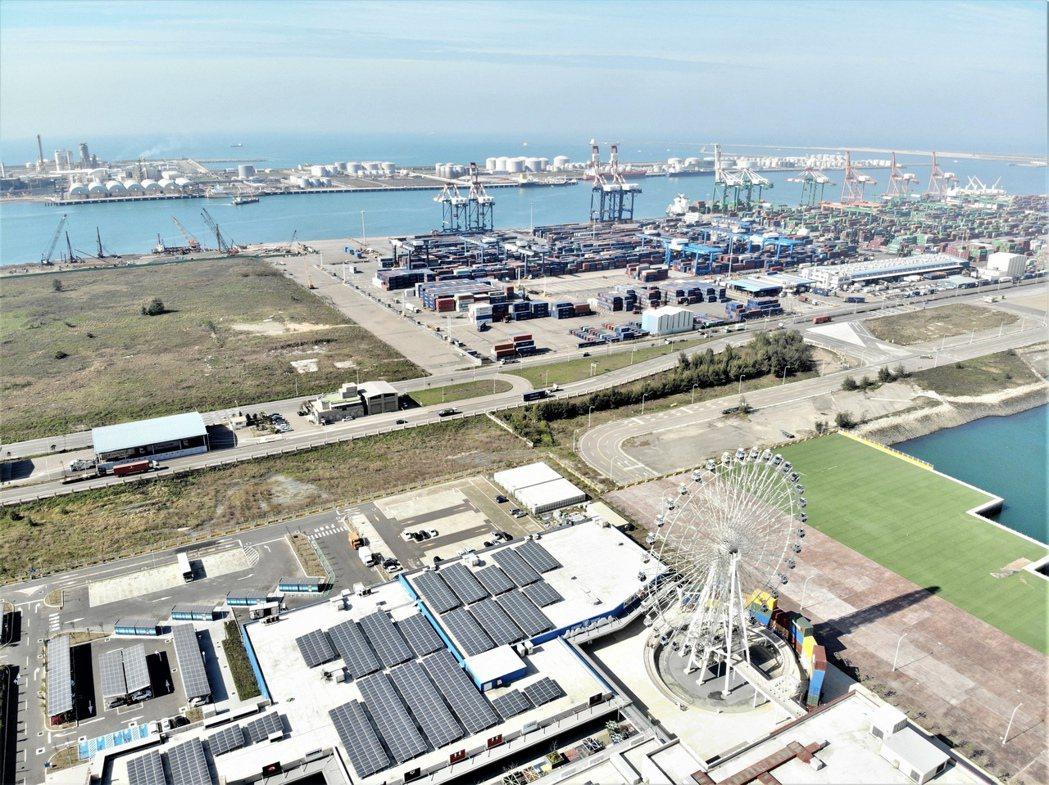 身為台灣第二大港口的台中港特區,在海運吞吐量激增下,將帶動區域商圈發展。業者提供