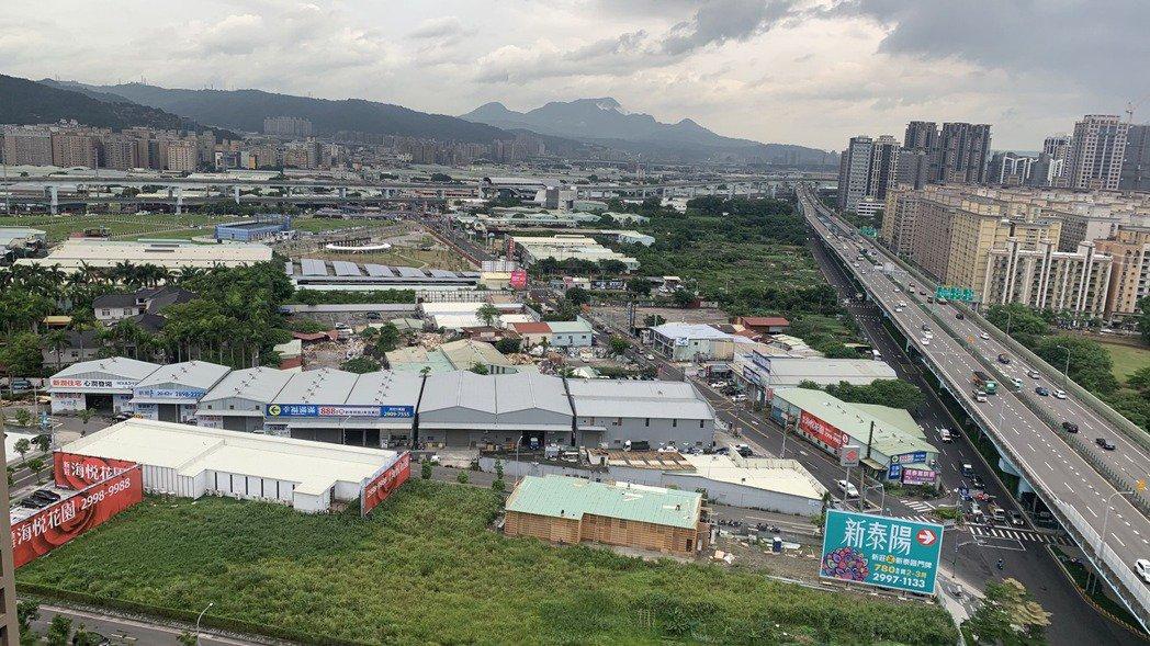 塭仔圳重劃區內港泰自辦重劃區的鳥瞰圖。科達建築/提供