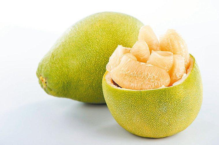 柚子營養又抗氧化,可促進腸道蠕動,幫助排便。圖/123RF