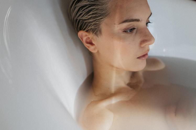 洗完臉,不要自然風乾。圖/摘自Pelexs