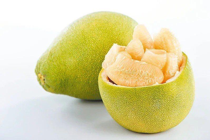 柚子營養又抗氧化,可促進腸道蠕動,幫助排便。 圖/123RF