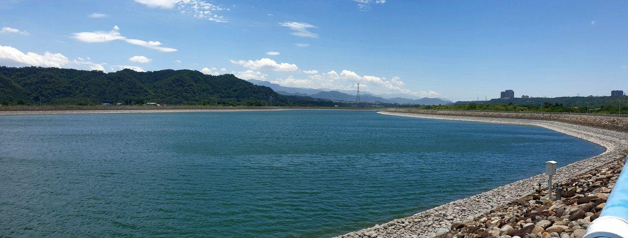 中庄調整池可以儲存500多萬噸的水。 圖/鄭國樑 攝影