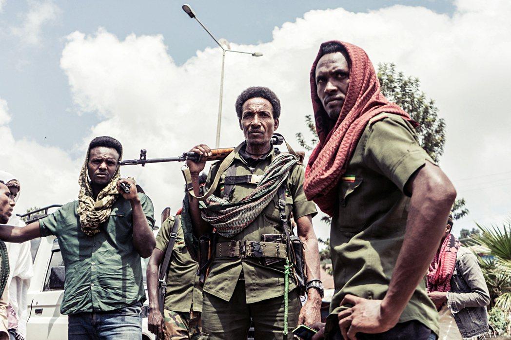 提格雷軍隊兵分三路之路線,除了將影響鄰近州屬,也牽扯衣索比亞境內種族和周邊國家的...