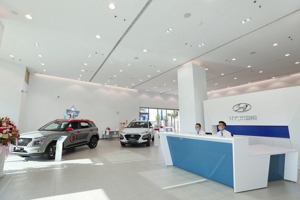 新車展示空間。 圖/南陽實業提供