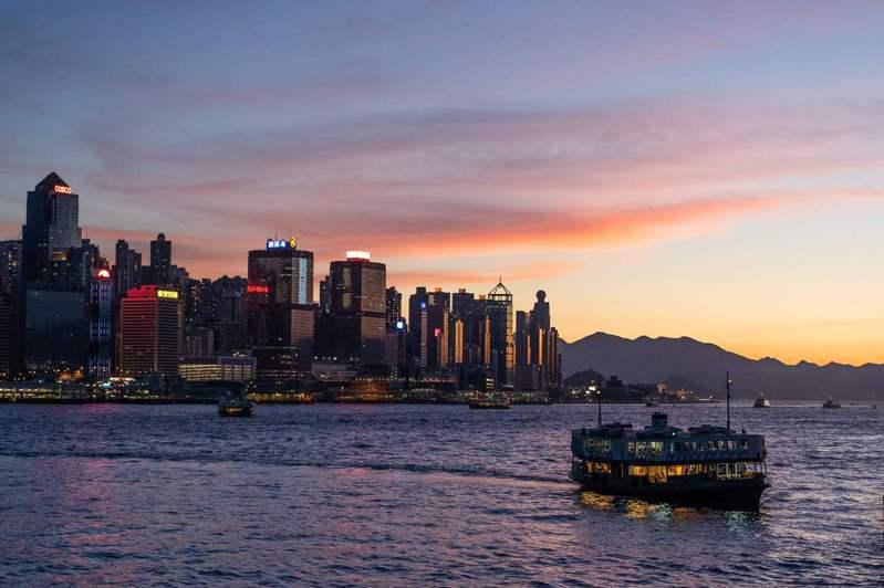 根據路透社報導,中國官員曾在今年一場閉門會議上,要求與會的香港龍頭地產商「應該守規矩,更要回饋社會」。法新社