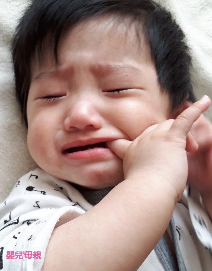 寶寶卡到魚刺3階段症狀 /嬰兒與母親