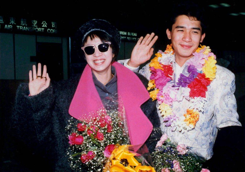 梅艷芳(左)與梁朝偉一起來台除為「青春差館」宣傳,也各自有別的計畫。圖/報社資料