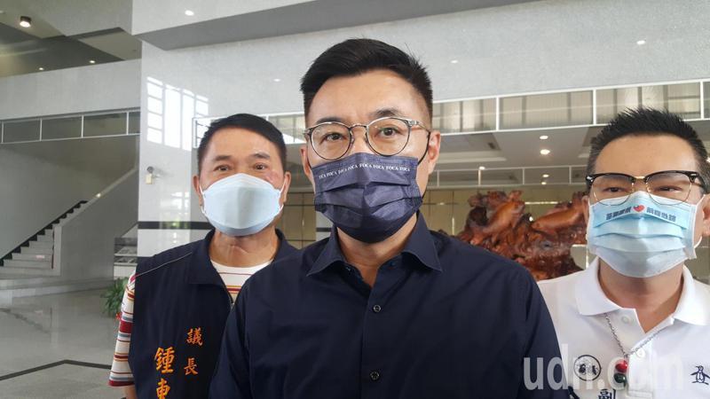 國民黨主席江啟臣(中)。本報資料照片